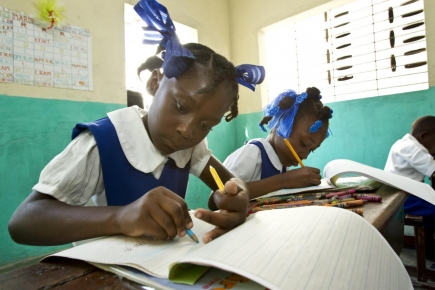 Leerlingen in H. Familieschool in Cayes, Haiti. (c)rotaryserviceblog.org